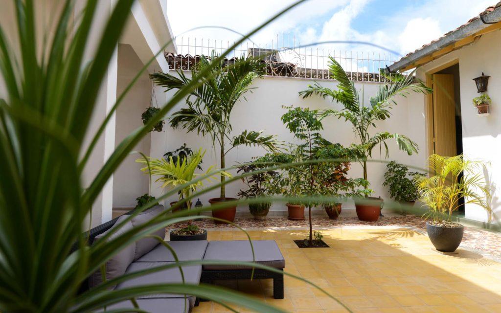 Unser Casa Particular in Camagüey bietet ein sonniges Patio zum Relaxen